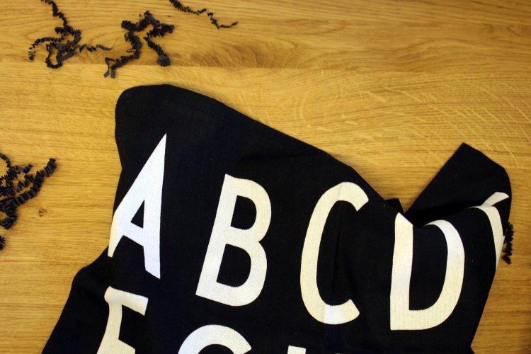 Boxmopolitan Design Letters ABC Geschirrtuch.jpg