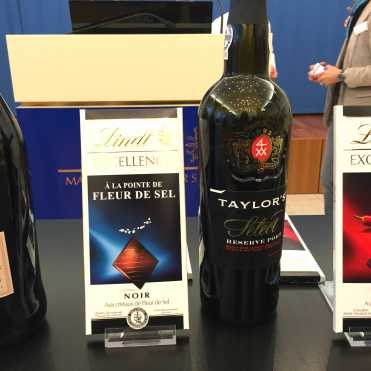 lindt-chocolate-a-la-pointe-de-fleur-de-sel-and-taylors-reserve-select-port-wine
