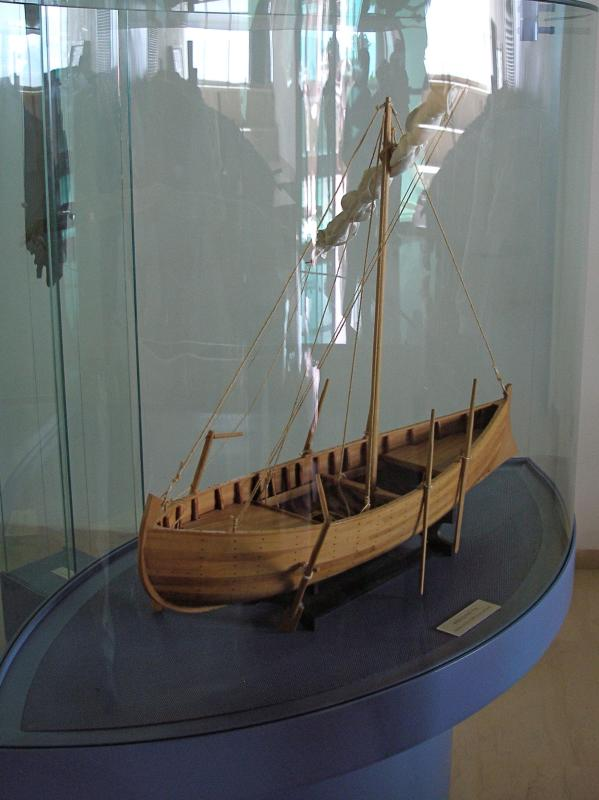 WHAT TYPE OF BOATS WERE USED FOR FISHING ON THE SEA OF GALILEE