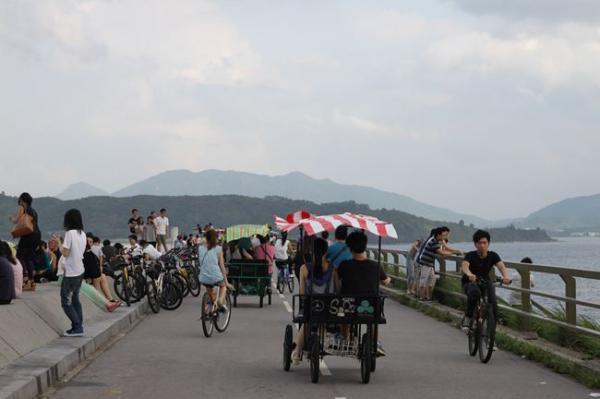 炎炎夏日踏單車(大圍至大尾篤) + BBQ - BBQ,我小學旅行已經去緊啦! 今次帶大家到最受香港人歡迎嘅踩單車熱點 大尾篤。 大尾篤位於大埔區船灣淡水湖旁。以交通方便,郊遊 - SeeWide 香港特搜