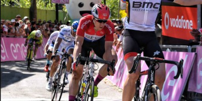 Jakobsen takes second in Giro's stage 4