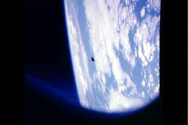 Ufo scovato negli archivi fotografici dello Shuttle Columbia