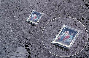 Una foto di famiglia sulla Luna!
