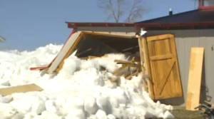 Incredibile tsunami di ghiaccio nel Manitoba