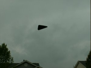 """Inghilterra: avvistato Ufo che """"manipola le nuvole"""""""