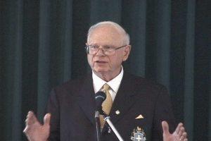 """Ex Ministro difesa Canada Paul Hellyer: """"Gli extraterrestri sono tra noi sulla Terra!"""""""