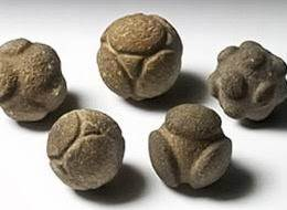 Misteriose sfere del Neolitico delle quali non si conosce l'origine