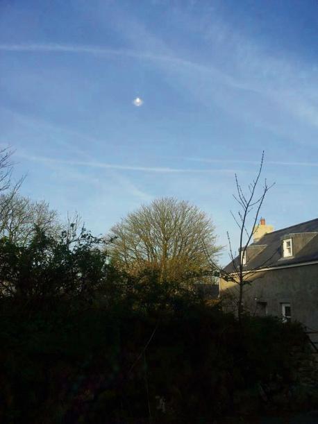 Strana anomalia fotografata nei cieli inglesi