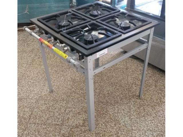 Cocina industrial de 4 hornallas marca Venancio Asuncin