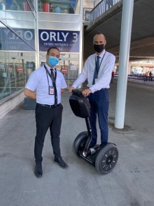 Aeroport d'Orly: City One équipe son chef de site d'un gyropode Segway.