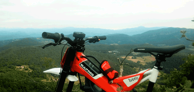 Segway Garrotxa con la Bultaco Brinco a Mas El Ventós