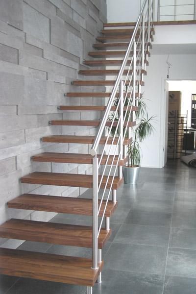 Bolzentreppen selbsttragend  Seifert Treppenbau