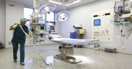 Procedimientos básicos para limpiar una sala de cirugía