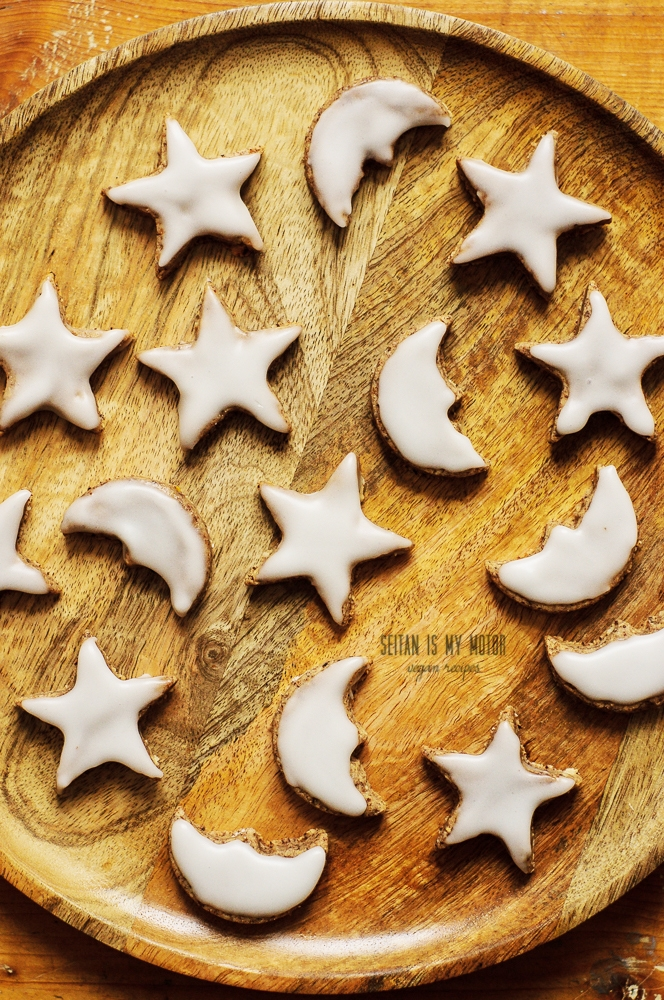 Speculoos truffles and gluten-free cinnamon stars {Zimtsterne}