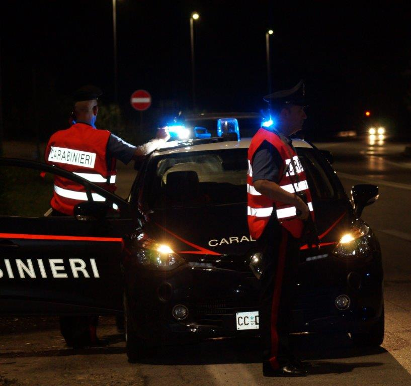Carabinieri in azione, chiusi due night club