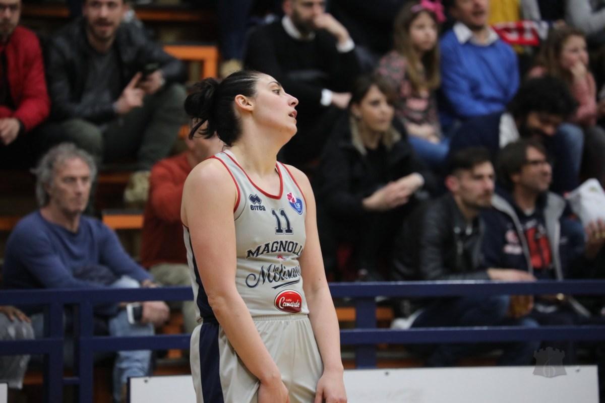 Basket A2 - La bestia nera Umbertide impone il secondo stop consecutivo alle ragazze di Sabatelli. Dopo 28 turni persa la leadership del girone