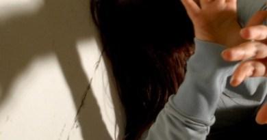 Nocera Inferiore: Prof tenta abuso di studentesse. L'indagine