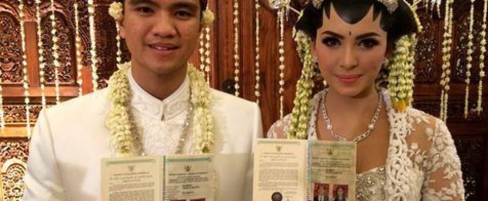 Alisia Rininta  & Novian Herbowo Gelar Resepsi Adat Jawa