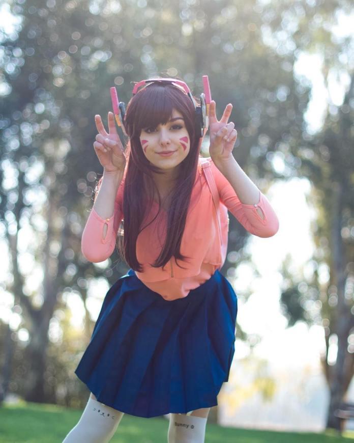 Belo Cosplay Feminino da D.VA em estilo anime colegial - Overwatch - Com minissaia azul kawaii - Cosplays de Games e Animes