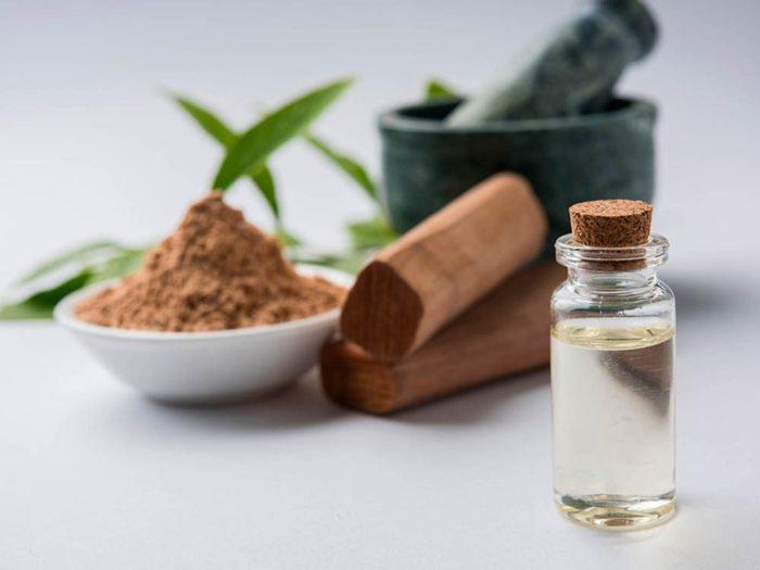 """Résultat de recherche d'images pour """"l'huile essentielle de bois de santal + expectorant"""""""