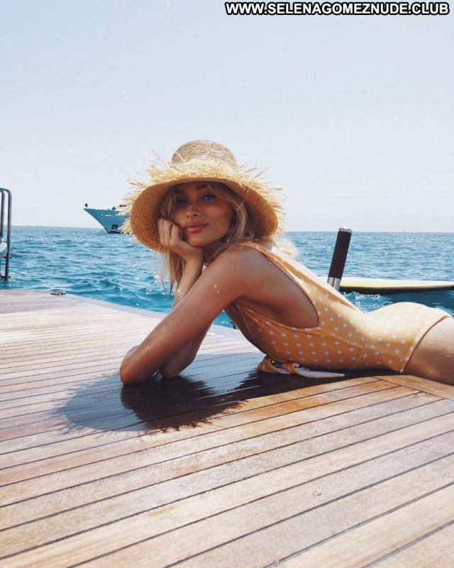 Lily Ermak Anna Nicole Dad Sexy Mali Summer Legs Male Sex Boat Park