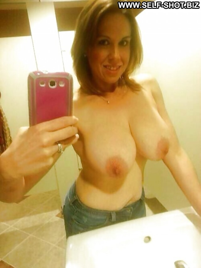 Stephani Private Pictures Self Shot Hot Milf London Selfie Big Boobs