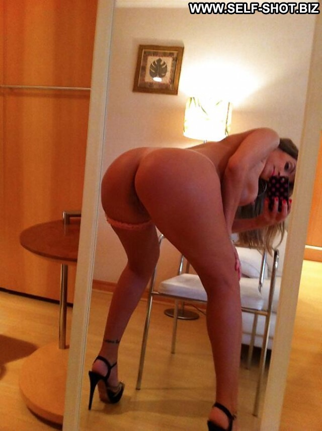 Wendolyn Private Pictures Self Shot Ass Porn Selfie Amateur Latin Hot