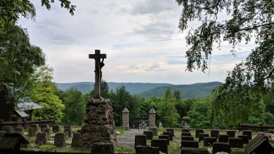Cemetery with Myslbek's Cross
