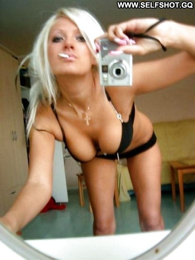 Adrianna Private Pictures Amateur Self Shot Hot Flashing Bus Self