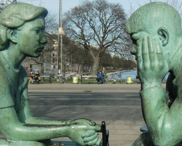 Statues Talking