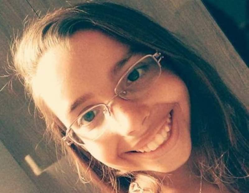 Emanuela Medeiros, de 16 anos, morreu após cair e bater a cabeça durante brincadeira com colegas na escola em Mossoró