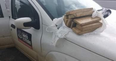 Veículo da prefeitura de Santo Estevão é flagrado transportando drogas