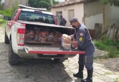 11ºGBM entrega mais 100 cestas básicas a pessoas em situação de vulnerabilidade social