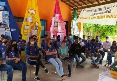 Colégio na Chapada Diamantina promove palestras e oficinas sobre temas de saúde pública