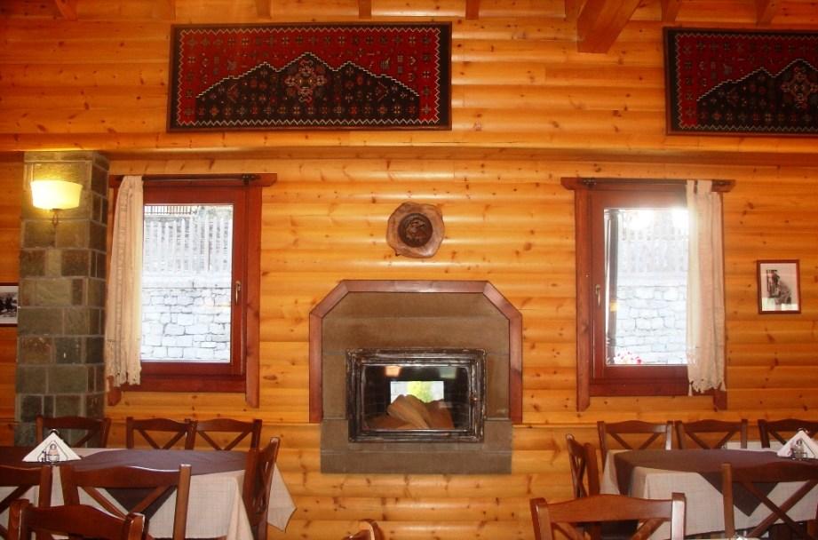 selinas taverna 6