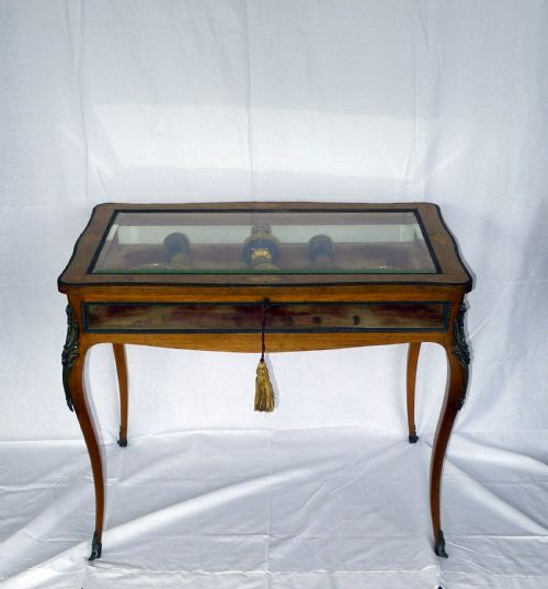 antique display tables the uk s
