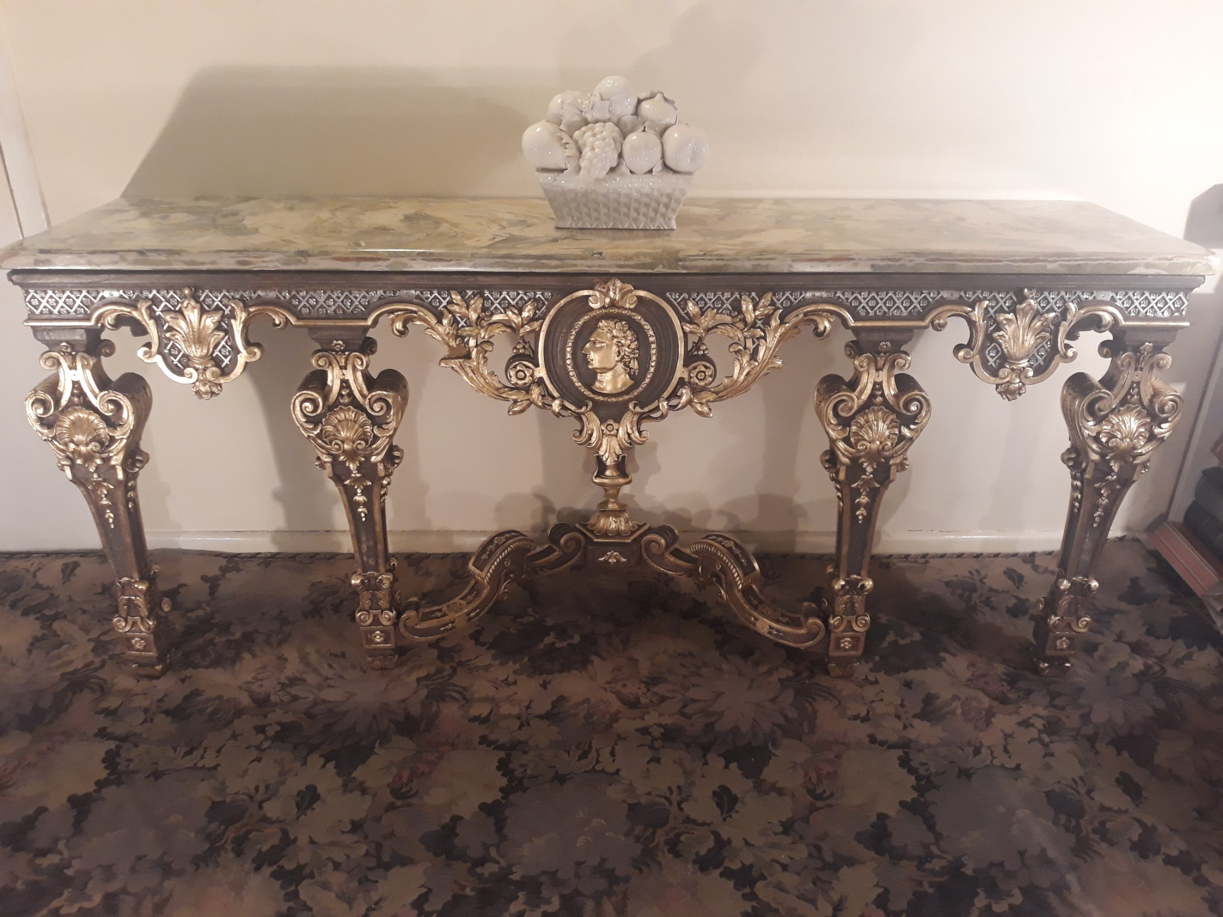 french 18th century carved gilt wood