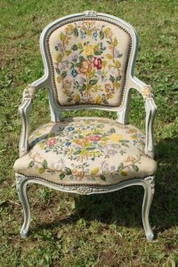 French Louis Xv Style Upholstered Shabby Chic Chair ...