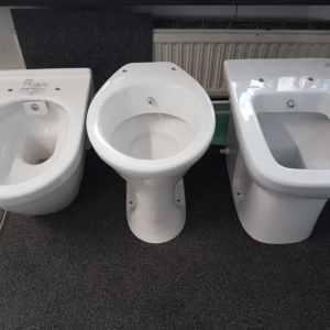 SEMA Sanitär Installationen Wien 1160 unterschiedliche WC Formen Lagernd und sofort erhältlich ist derExclusive Sanitärartikel 2018 WC, Urinal &Bidet in einenWC&Bidetauch für Ihr Bad. Die Top Toiletten Anlage im Sanitärhandel 20180608_102541
