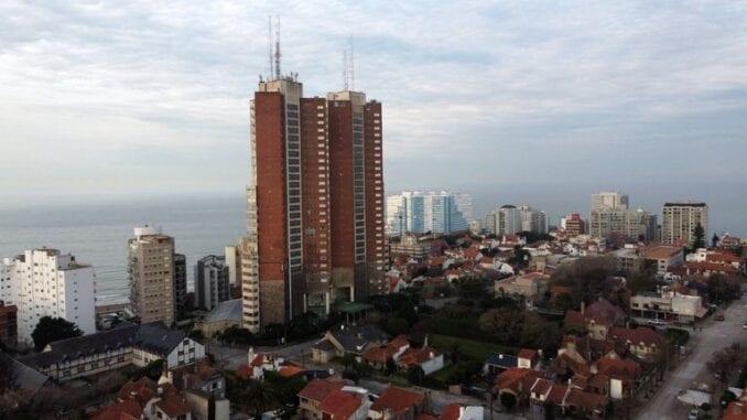 Cerró el histórico hotel Torres de Manantiales de Mar del Plata por la crisis económica