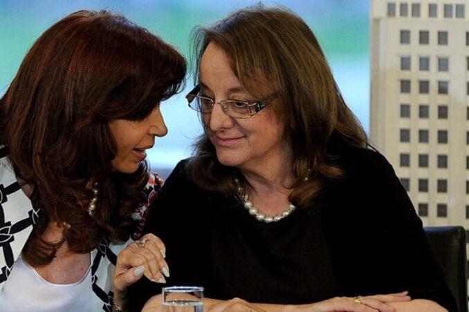 Tras la dura y sorpresiva caída electoral en Santa Cruz, Alicia Kirchner le pidió la renuncia a todo su gabinete