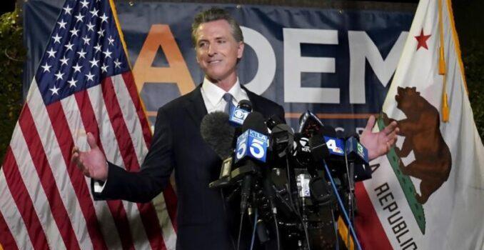El Gobernador de California superó el referendo revocatorio