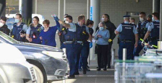 La policía de Nueva Zelanda mató a un 'terrorista' tras apuñalar a 6 personas