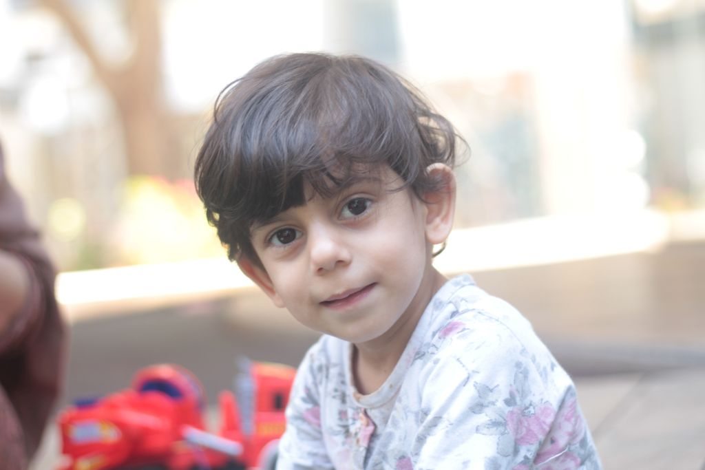 La pequeña Kani Jaza Fatah Karhani en el Wolfson