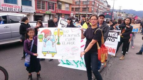 Jornada de protesta por el cierre de los grupos de formación de artistas. Foto grupos artísticos de la localidad.