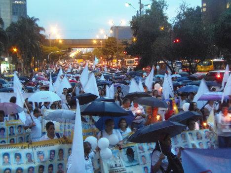 La manifestaciones estudiantiles reflejan el rechazo a la guerra y el deseo de la joven generación a vivir en paz.