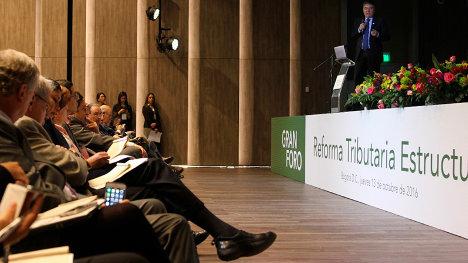Ministro de Hacienda, Mauricio Cárdenas, en conversatorio sobre la reforma tributaria.