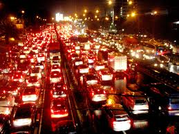 hindari kemacetan ala sewa mobil semarang