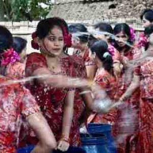 semestafakta-water-festival