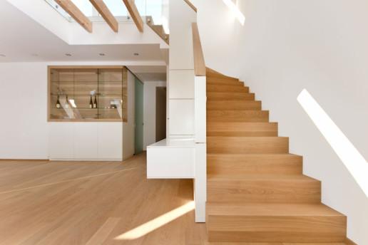Massivholz-Treppe aus der Tischlerei